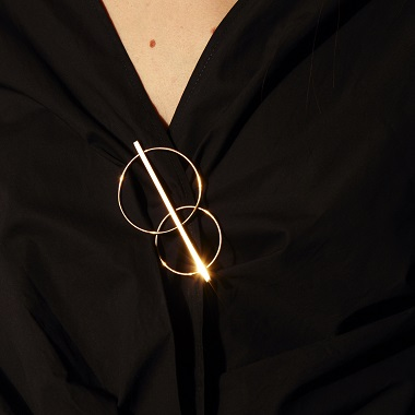 Broche Eclipse de Paola Krauze